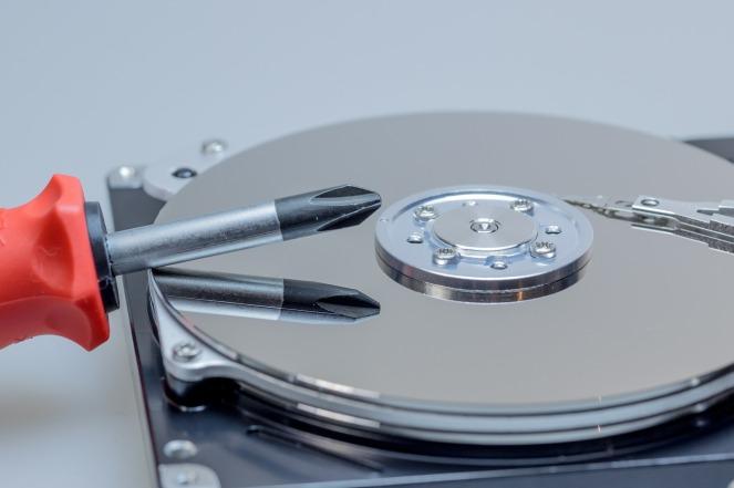 hard-drive-611517_1920